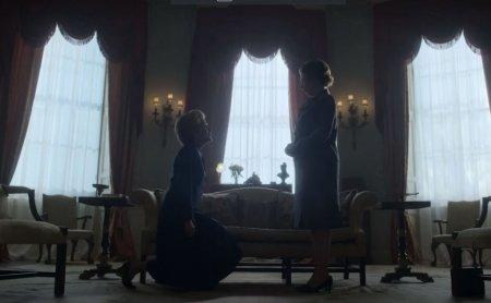 The Crown | Primele imagini cu actorii care ii interpreteaza pe printesa Diana si printul Charles (FOTO)