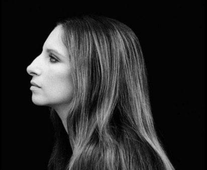 Bradley Cooper si <span style='background:#EDF514'>LADY GAGA</span>, criticati de Barbra Streisand in remake-ul A Star Is Born