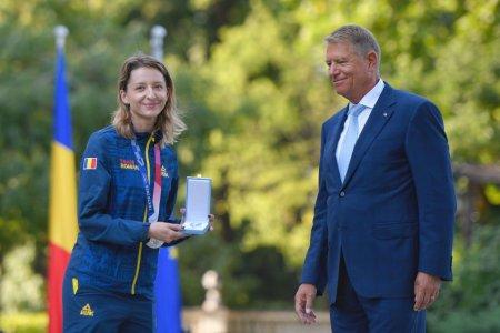 Klaus Iohannis i-a decorat pe sportivii medaliati la Tokyo. Ce Ordin a primit Ana-Maria Popescu, meda<span style='background:#EDF514'>LIATA</span> cu argint la spada
