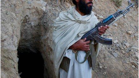Al <span style='background:#EDF514'>QAEDA</span> ii felicita pe talibani pentru ocuparea Afganistanului