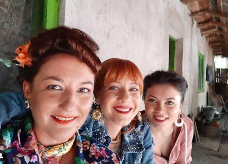 Fotografie rara cu Anca Dumitra, Mirela Oprisor si <span style='background:#EDF514'>ECATERINA</span> Ladin. Cum s-au pozat actritele din Las Fierbinti