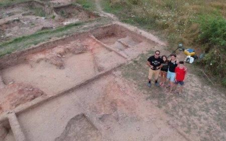 Un sat preistoric poate fi vizitat in Dambovita. <span style='background:#EDF514'>GALERIE FOTO</span>