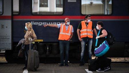 Doua trenuri ale CFR Calatori blocate si doua curse anulate, dupa ce un marfar a deraiat intre statiile Mintia si Branisca, d<span style='background:#EDF514'>IN HUNEDOARA</span>