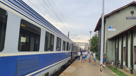 Tren cu 32 de vagoane, deraiat la Deva. Trafic feroviar inchis pe Magistrala 200