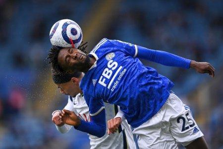 Pericolul mingii: risc de dementa! Sunt cu adevarat necesare loviturile cu capul?