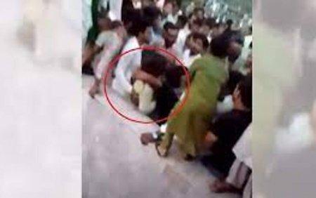 Peste 400 de barbati investigati in Pakistan pentru ca au agresat sexual in masa o femeie