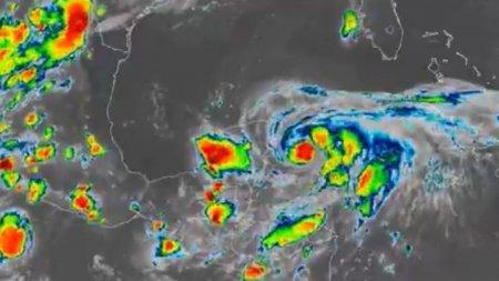 Mai multi romani sunt prinsi in mijlocul uraganului Grace, care matura Mexicul si a devastat Haiti