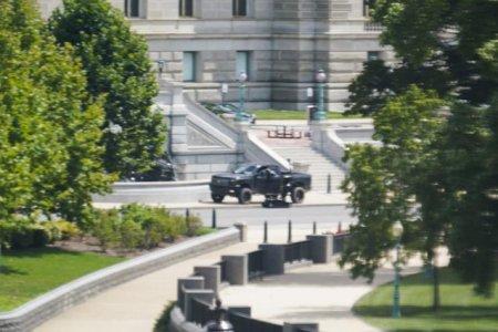 Individul care a generat alerta de securitate din centrul Washingtonului s-a predat