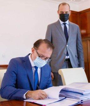 FLORIN CITU, LA PREDAREA MINISTERULUI DE FINANTE: 'Ii transmit domnului Vilceanu ca nu avem  voie sa depasim deficitul bugetar asumat'