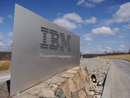 IBM isi anunta angajatii americani ca vor reveni la birou in septembrie