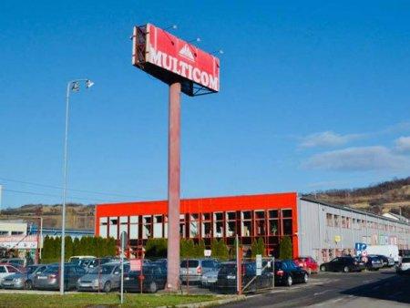 Multicom Zalau, firma de constructii si bricolaj, afaceri in scadere cu 12% in 2020. Compania Multicom Zalau a fost infiintata in anul 1992 de <span style='background:#EDF514'>SOTII</span> Gavril si Floare Iepure
