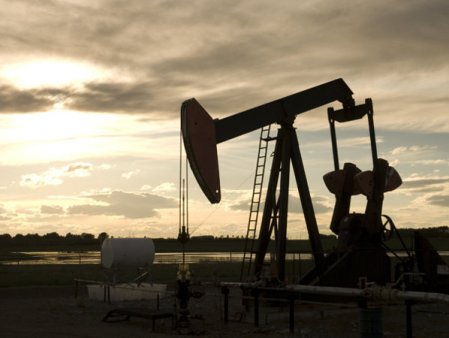 Ce inseamna ca uriasii sa-si puna pofta-n cui: petrolul s-a ieftinit, iar pretul <span style='background:#EDF514'>FIERUL</span>ui a dat inapoi