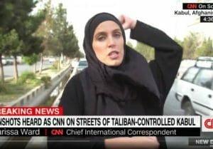 Clipe grele pentru corespondenta CNN din Afganistan! Un taliban a racnit la ea