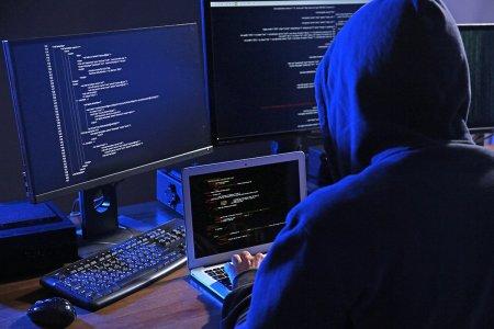 Fabulosul caz al retelei de camerunezi din Romania care intercepta e-mailurile dintre companii si le punea sa plateasca in conturile lor