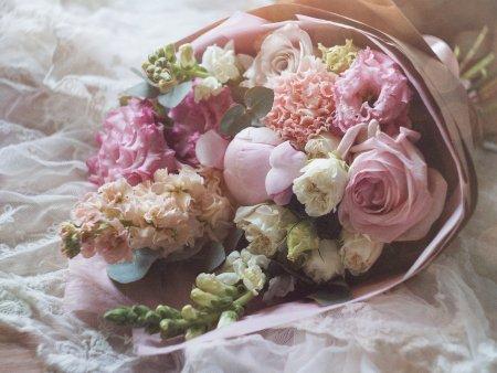 Cum alegi cel mai frumos buchet de flori? 4 aspecte de care sa tii cont
