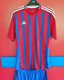 CSA Steaua a prezentat noul echipament al echipei. Fanii sunt nemultumiti