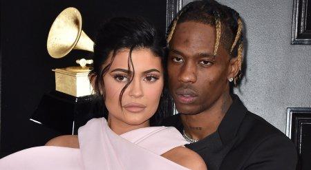Kylie Jenner e insarcinata. Asteapta <span style='background:#EDF514'>AL DOILEA COPIL</span> cu Travis Scott