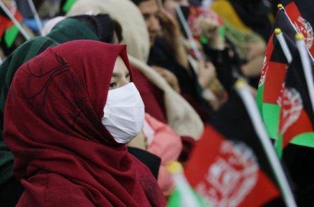 Talibanii incep masurile radicale. Fetele trebuie separate de baieti in clasele din provinciaa Herat / Oficial taliban: Este <span style='background:#EDF514'>RADAC</span>ina tuturor relelor din societate