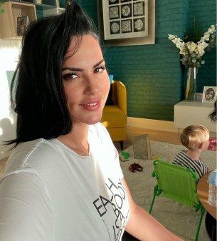 Lavinia Pirva, fotografii unice cu fiul ei si al lui Ștefan Banica Junior. Fanii au fost frapati: Cu cine seamana asa <span style='background:#EDF514'>BLOND</span>ut?