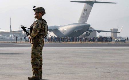 <span style='background:#EDF514'>AMBASADA</span> SUA la Kabul a emis o alerta de securitate: Evitati sa calatoriti spre aeroport