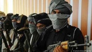 A inceput prigoana femeilor in Afganistan. Talibanii fac legea