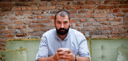 Adi Hadean, despre picajul ospitalitatii: Lucreaza tot mai multi oameni fara scoala, oameni care provin din familii distruse de migratie
