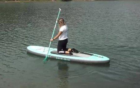 Ce este Stand up paddle, vaslitul pe loc. Sportul care prinde tot mai mult in Romania