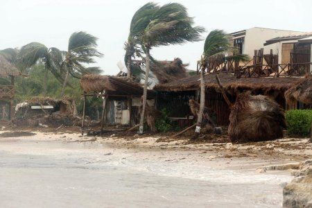 Cel putin 8 morti in Mexic, dupa trecerea uraganului Grace. Zece victime in SUA, <span style='background:#EDF514'>LOVITE</span> de Henri