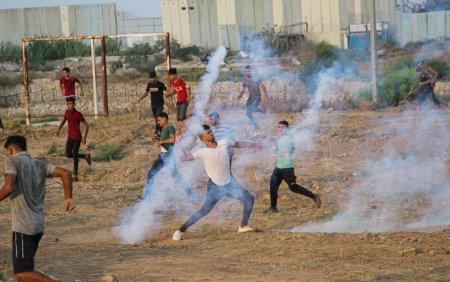 Israelul a atacat Fasia <span style='background:#EDF514'>GAZA</span> cu avioane. Un baiat de 13 ani a fost impuscat in cap