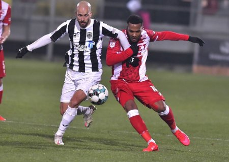 Laurentiu Reghecampf vrea un nou transfer <span style='background:#EDF514'>LA CRAIOVA</span> » A ochit un jucator trecut prin Liga 1