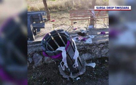 Angajatii Directiei de Drumuri si Poduri din vestul tarii au gasit zeci de sutiene aruncate in jurul cosurilor de gunoi