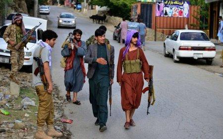 Talibanii anunta ca au trimis sute de combatanti spre Valea Panjshir, ultima <span style='background:#EDF514'>ZONA LIBERA</span> din Afganistan