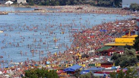 Mare <span style='background:#EDF514'>AGLOMERATIE</span> la mare! Preturile vor intra la apa, iar turistii vor profita de tarifele de cazare