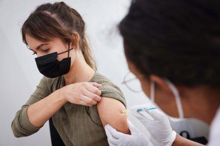 <span style='background:#EDF514'>JULIA</span>n Savulescu, profesor de etica aplicata la Oxford, despre vaccinarea obligatorie: O problema de echilibru intre sanatate publica si libertate