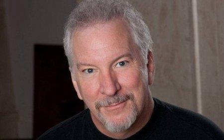 Un prezentator de radio din SUA, opozant ferm al vaccinurilor anti-coronavirus, a murit de COVID. Mesajul transmis din spital