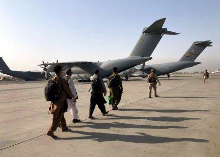 Marea Britanie cere prelungirea prezentei americane pe aeroportul din Kabul. Talibanii nu sunt de acord cu depasirea termenului de 31 august