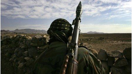 Talibanii l-au <span style='background:#EDF514'>CONDAMNAT LA MOARTE</span> pe fratele unui translator afgan care a lucrat pentru trupele NATO:Esti acuzat ca i-ai ajutat pe americani