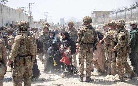 Ungaria acuza <span style='background:#EDF514'>MILITARII</span> SUA ca obstructioneaza accesul pe aeroportul din Kabul a persoanelor care trebuie evacuate