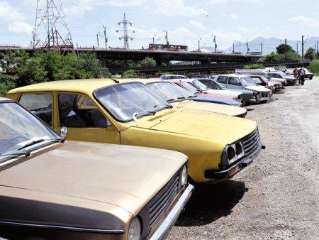 Vesti bune pentru cei care vor sa-si ia o masina noua: Bugetele <span style='background:#EDF514'>RABLA</span> Clasic si <span style='background:#EDF514'>RABLA</span> Plus au fost suplimentate din nou