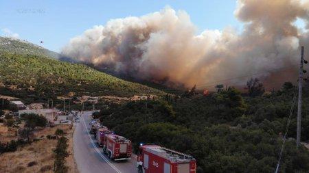 Pompierii romani, operatiune de salvare a unei manastiri din Grecia
