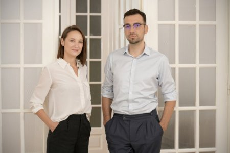 Bankata.ro, platforma digitala de agregare completa a produselor financiare fondata de Diana Seredenciuc si Andrei Perianu, a primit o finantare de 180.000 euro, co<span style='background:#EDF514'>ORDONATA</span> de Sparking Capital in calitate de Lead Investor