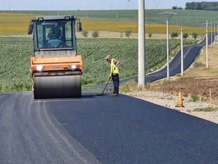 Galatiul si Buzaul acceseaza fonduri pentru drumuri din viitorul <span style='background:#EDF514'>EXERCITIU</span> financiar