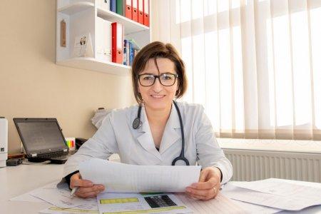 Ioana Mihaila: Mastile utilizate de elevi si studenti trebuie sa fie de tip medical. Mastile textile nu vor mai fi <span style='background:#EDF514'>PERMISE</span>