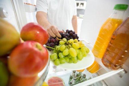 Cand e bine sa mananci fructele in timpul zilei. Ce spun specialistii