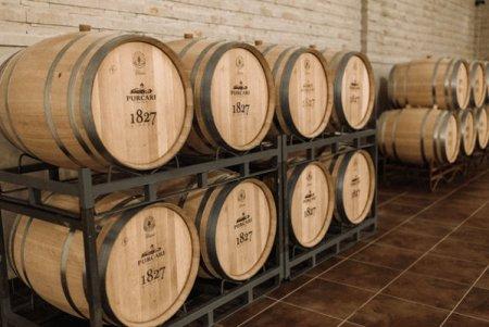 Producatorul de <span style='background:#EDF514'>VINURI</span> Purcari Wineries a incheiat primul semestru cu venituri de 106 milioane lei, cu 25% mai mari fata de perioada similara a anului trecut, si un profit de 20 milioane lei, in crestere cu 31%