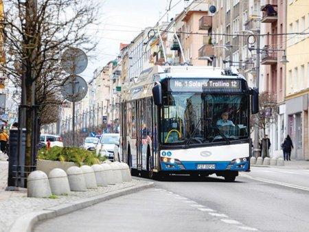 Grupul polonez Solaris a vandut 18 <span style='background:#EDF514'>AUTOBUZE</span> electrice pentru Craiova, intr-o tranzactie de 57,5 milioane de lei si trei troleibuze in Medias pentru 6 milioane de lei