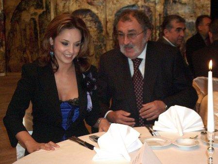 Ce a raspuns Andreea Marin atunci cand a fost intrebata daca s-ar fi casatorit cu Ion Țiriac. Am decis sa ma indepartez. Simteam ca ii fac rau acestui om