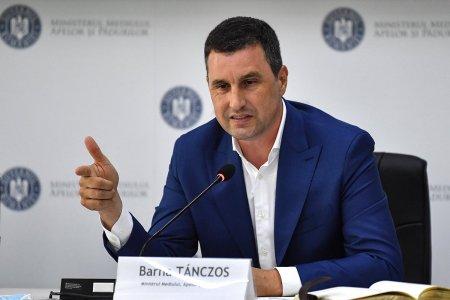 Farfuriile, paharele tacamurile si paiele de plastic vor fi interzise in magazinele din Romania, anunta Ministrul Mediului