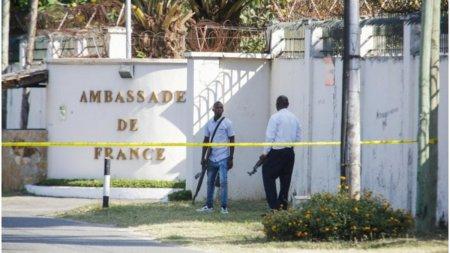 Un barbat inarmat a ucis 4 oameni intr-un atac langa ambasada Frantei din Tanzania