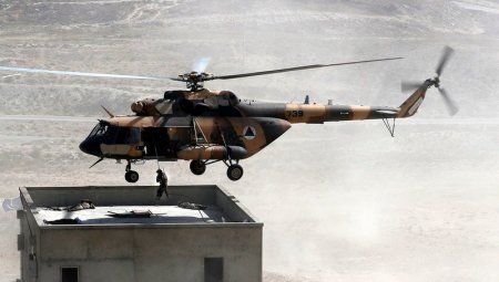 Talibanii au capturat peste 100 de elicoptere militare produse de Rusia